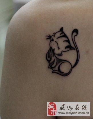 威远纹画人:从事专业时尚纹身,个性图案设计,疤痕遮盖,失败纹身修改