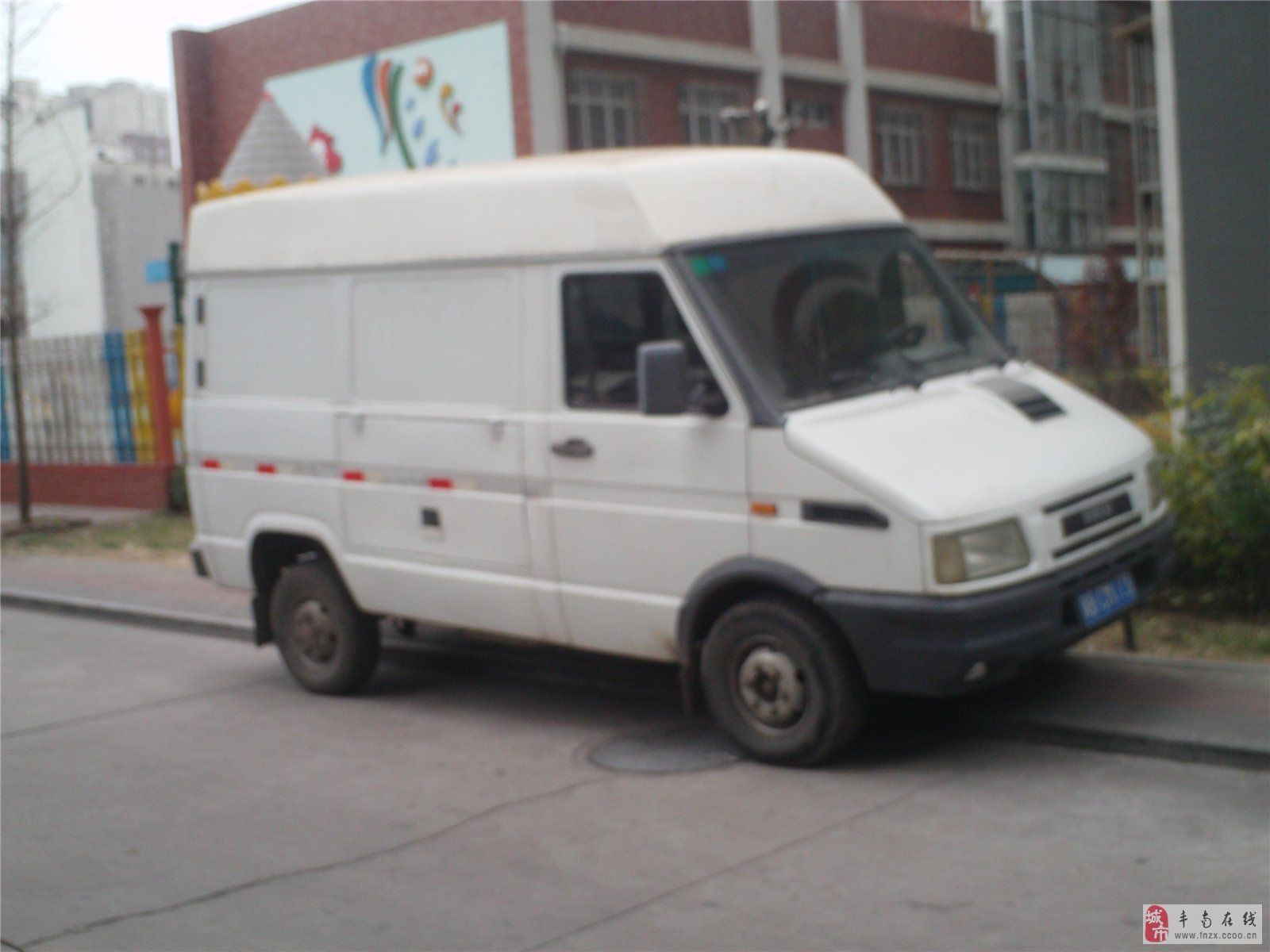 南京依维柯厢式货车出租图片