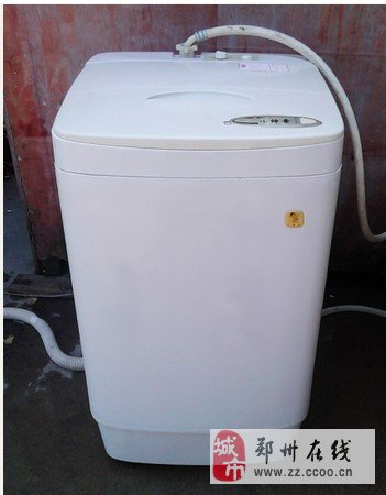 搬家处理一台九五新海尔小神童全自动洗衣机