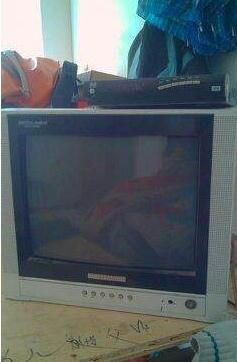 转让14寸电视机带小锅盖