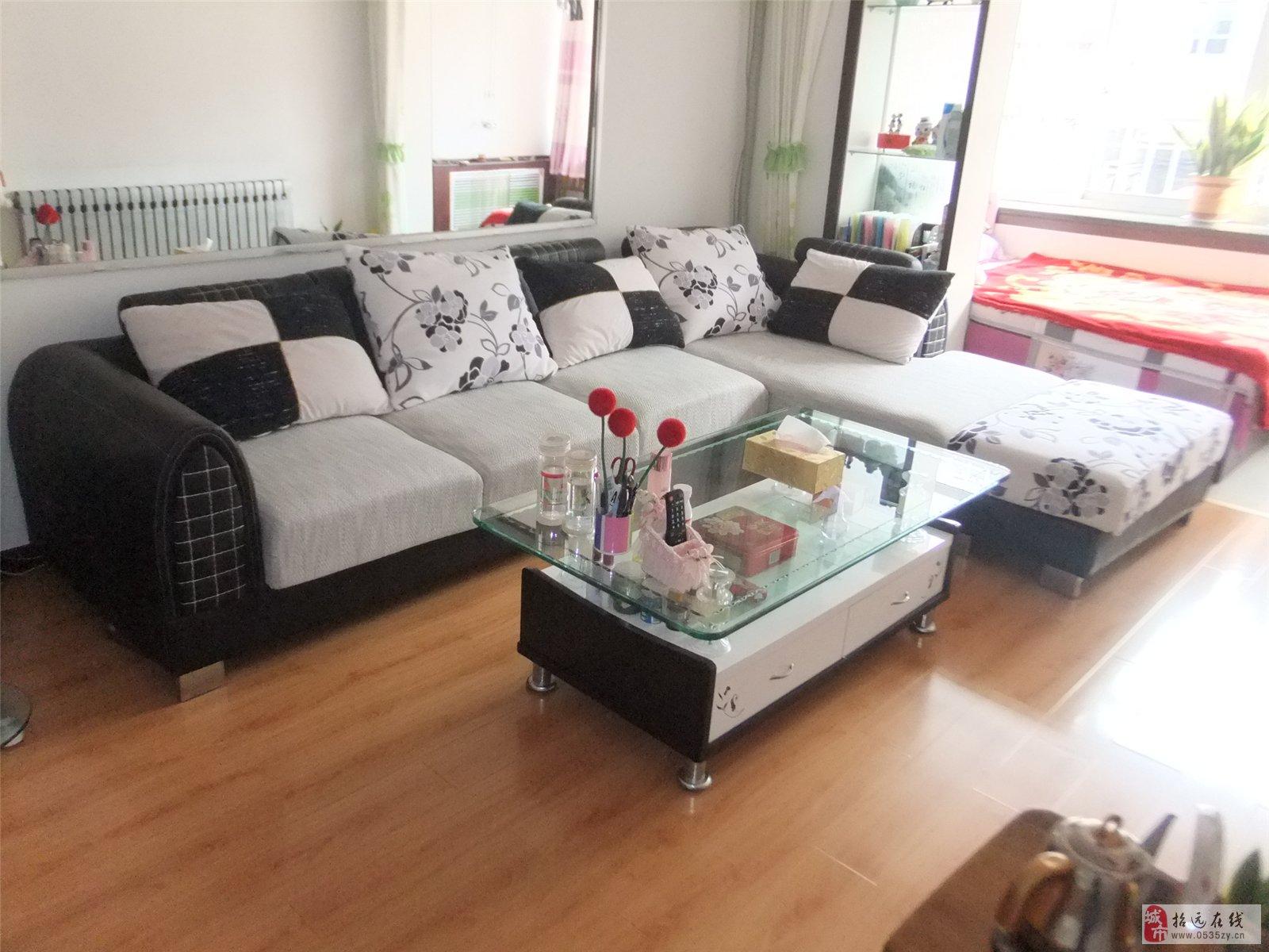 招远售3.2米布艺沙发1800元-双层茶几650元