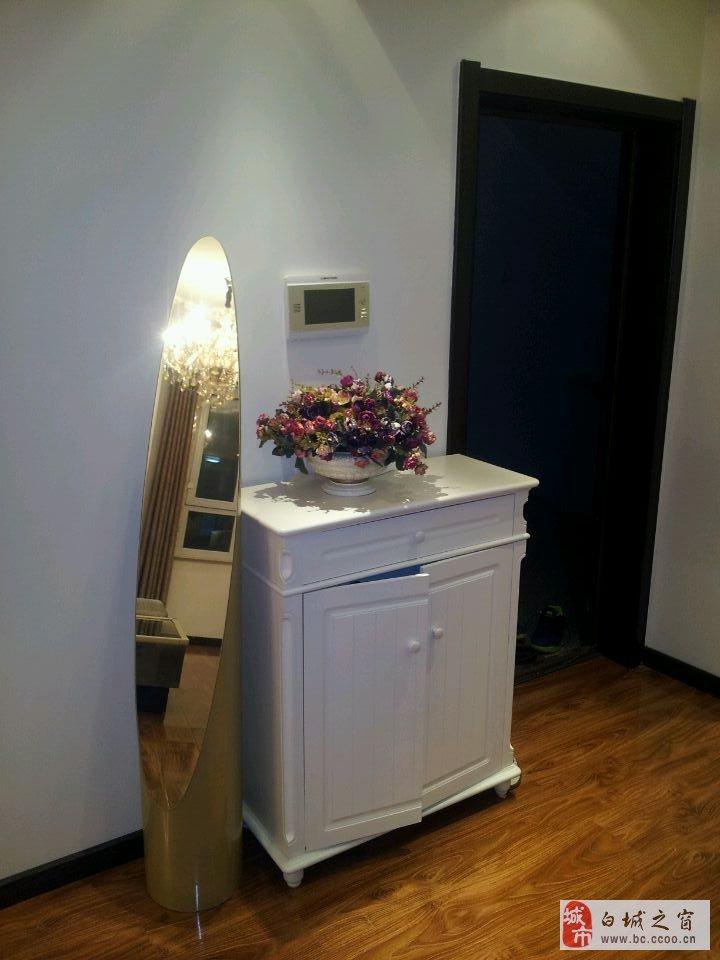 欧式高档装修 装修材料高档环保 电器均为名牌电器 房屋供暖高清图片