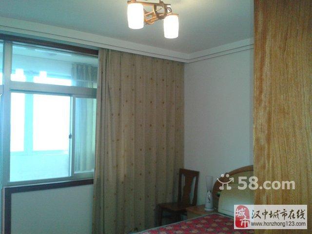汉台区人民路 2室2厅100平米 精装修 年付