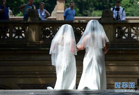 同性婚姻合法化 美��同性�僬吲�z婚�照