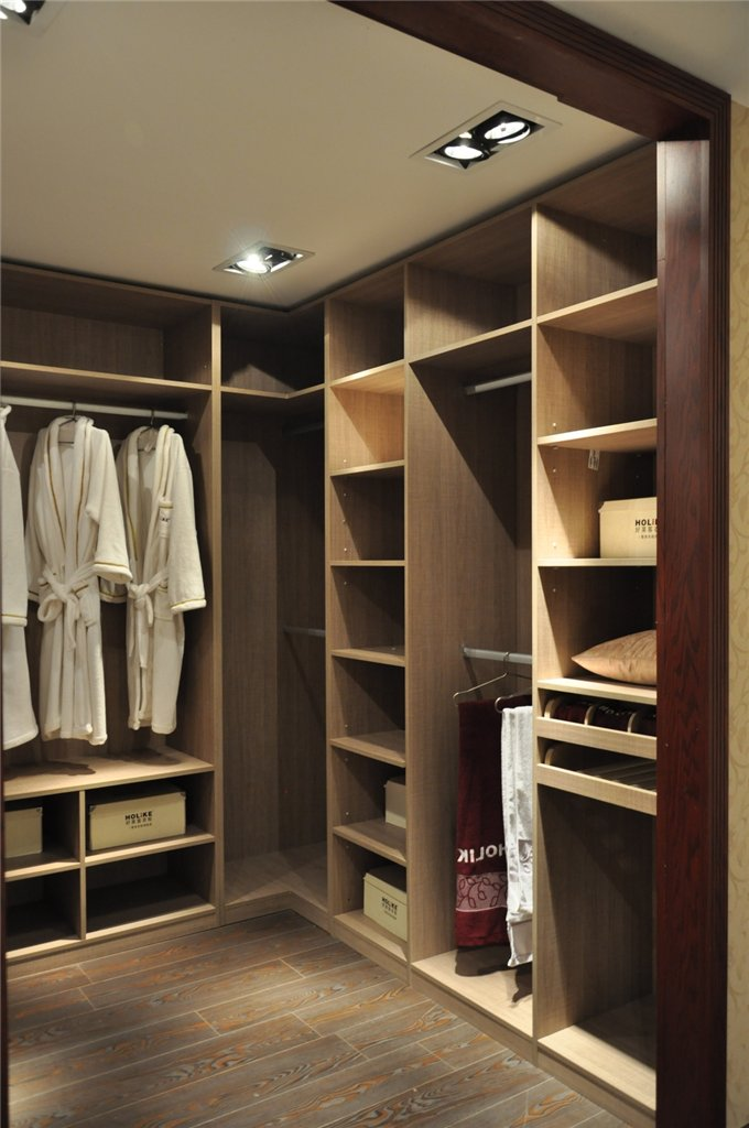 博兴好莱客衣柜——整体衣柜 世界之作    上一图集 下一图集 >>