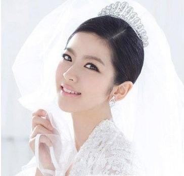 最新韩式新娘发型推荐 清新淡雅打造气质新娘