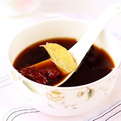 吃蟹后喝生姜红糖水