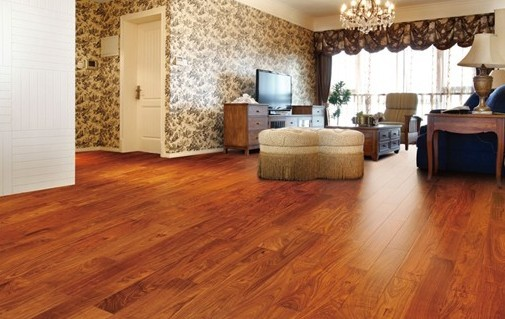 实木地板更安全