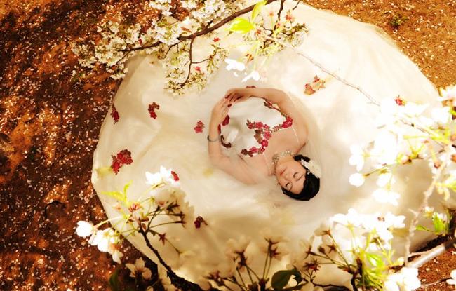 如何根据新娘身材选择婚纱?