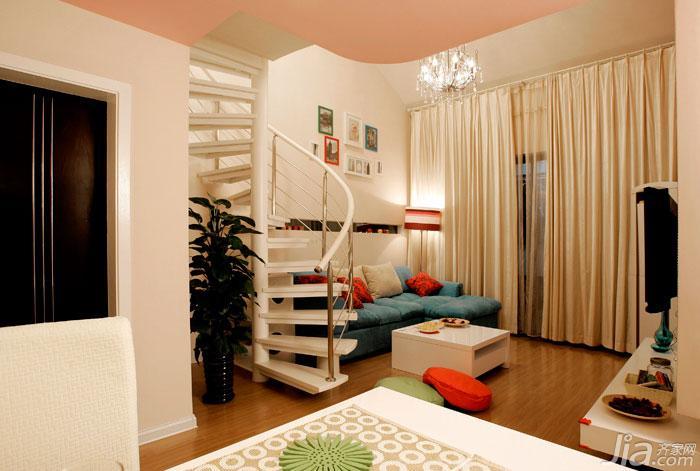 优雅旋转楼梯 现代鲜活复式小家