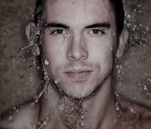 男士洗完脸后的护肤步骤