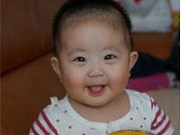 77杨梓琪 1岁