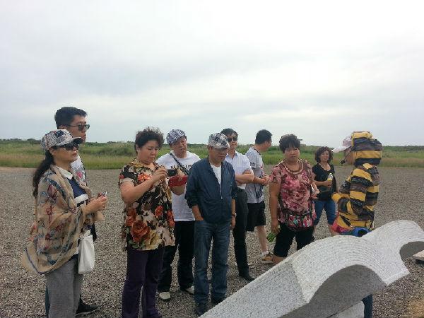 内蒙古文联副主席,音协主席阿拉泰一行到我旗进行文艺采风