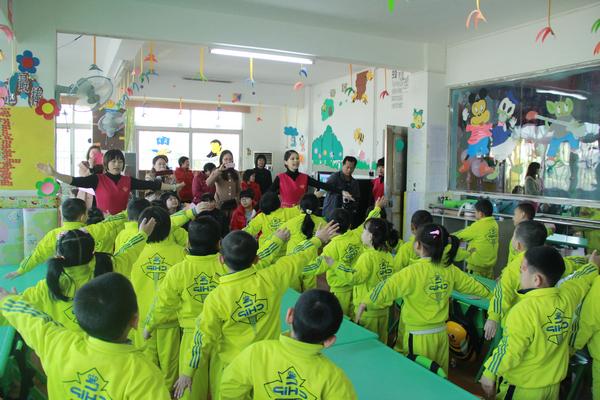 作者:龙川育苗幼儿园 来源:本站 时间:2013-11-28
