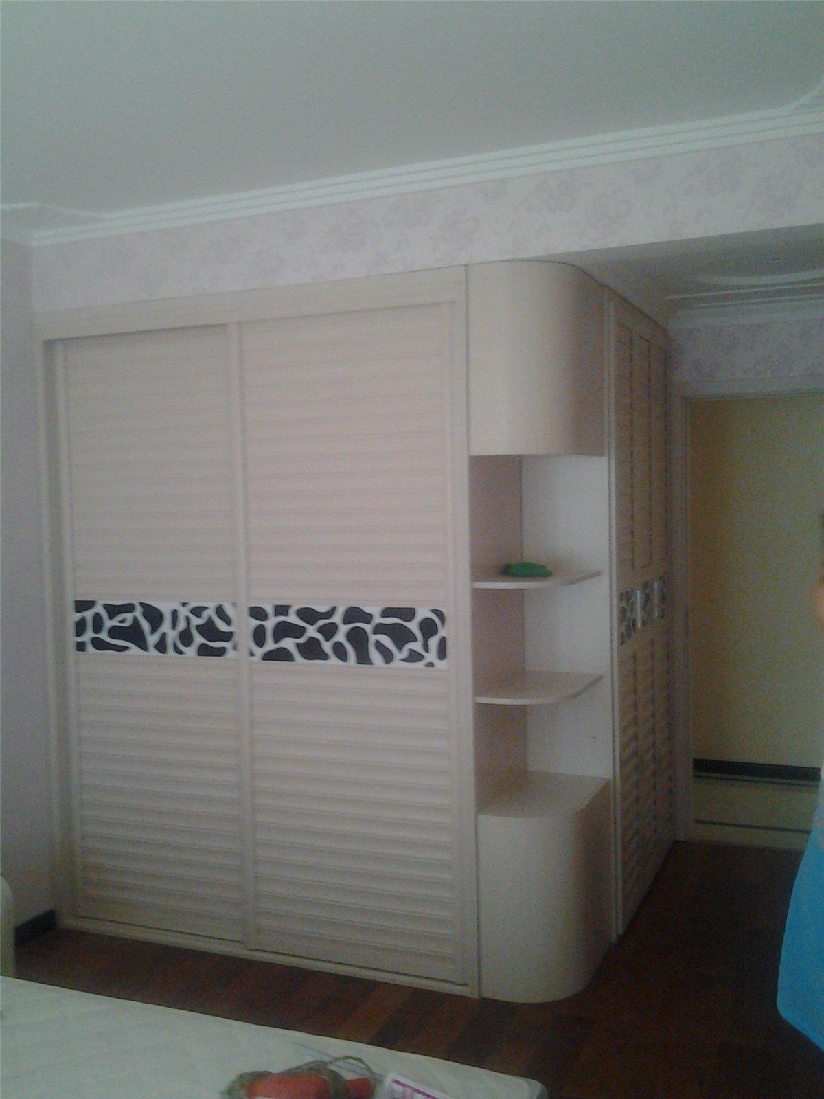卧室整体衣柜效果图展示