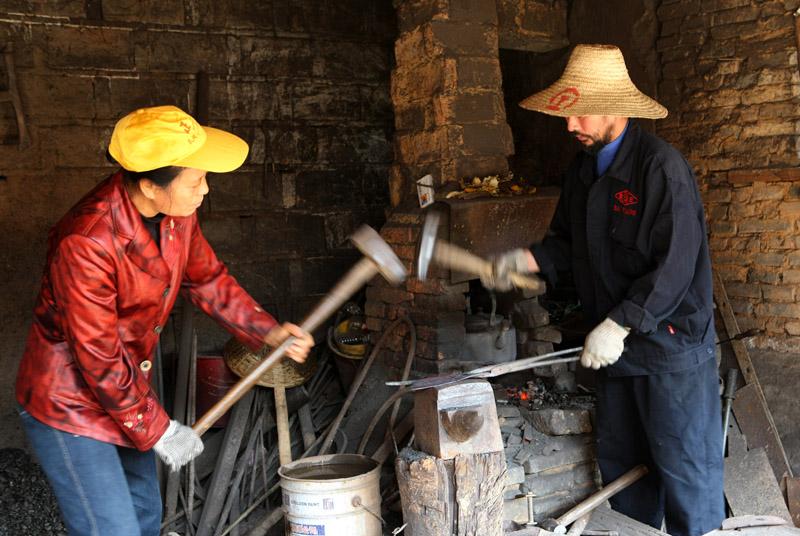 乌兰浩特市烘炉铁匠炉钣金电焊修理部