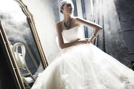 2012年流行婚纱